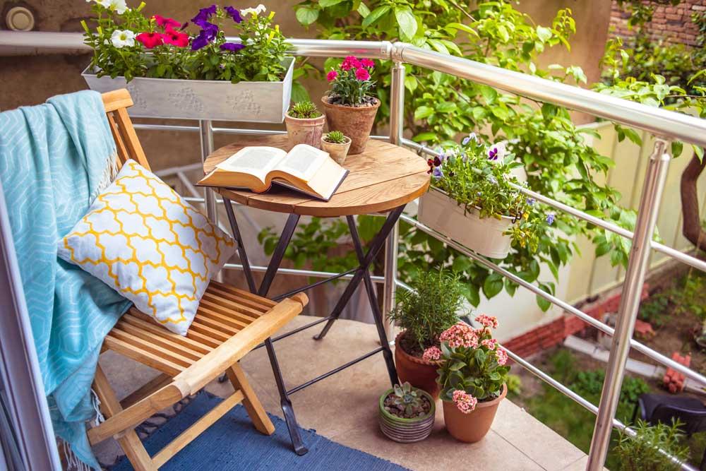 Comment aménager son balcon ou sa terrasse grâce à la récup' ?