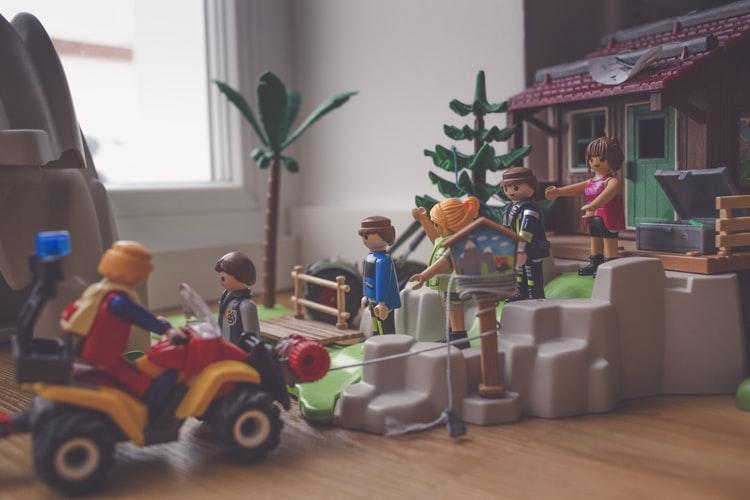 Qu'est-ce que Playmobil ?