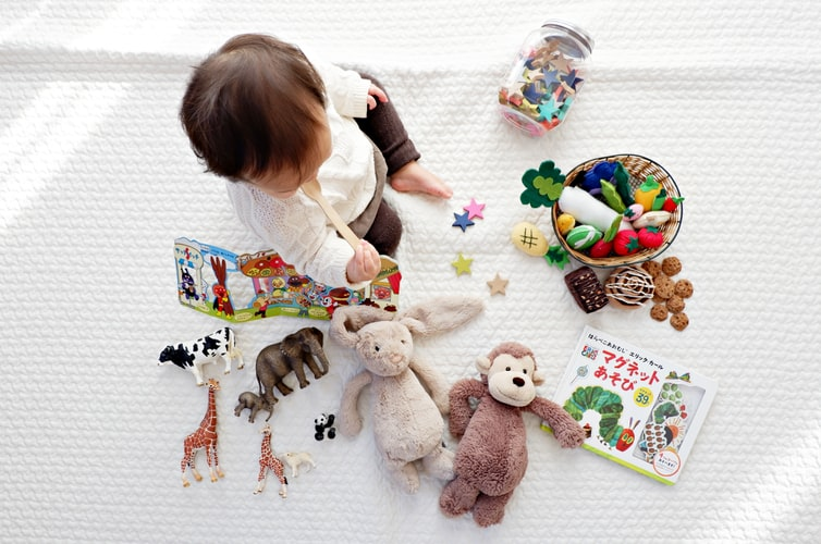 Puériculture : comment préparer l'arrivée de bébé avec des articles de seconde main ?